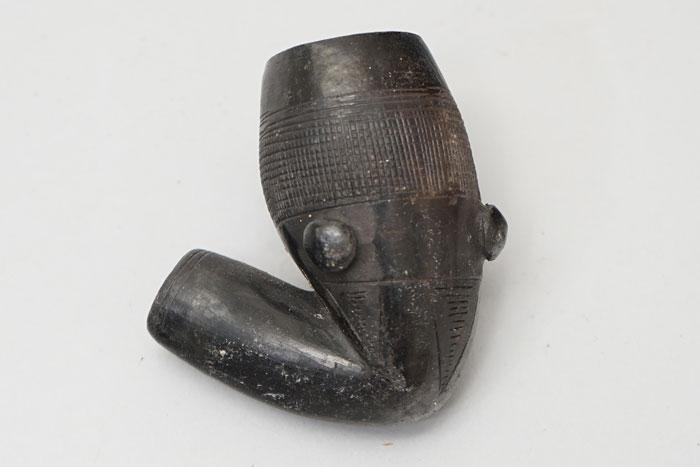 African ceramic pipehead