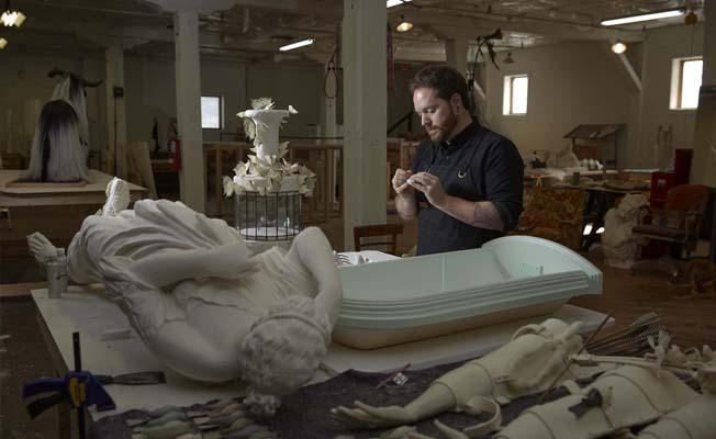 David R Harper in his studio