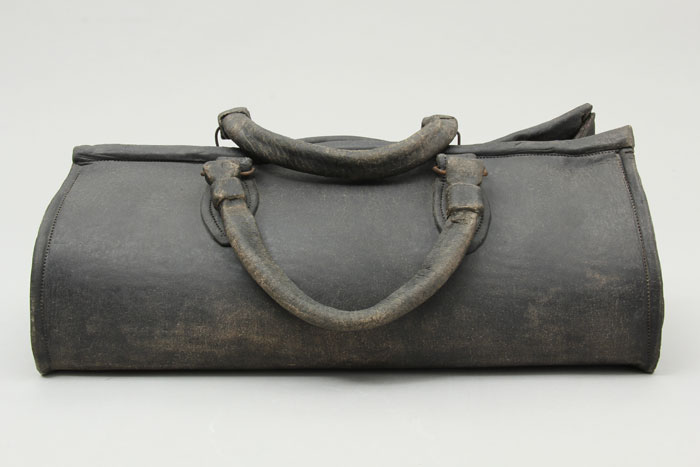 Ceramic faux-leather doctor's bag