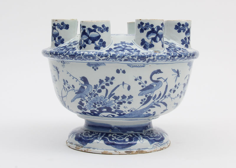 Blue-and-white bulb bowl